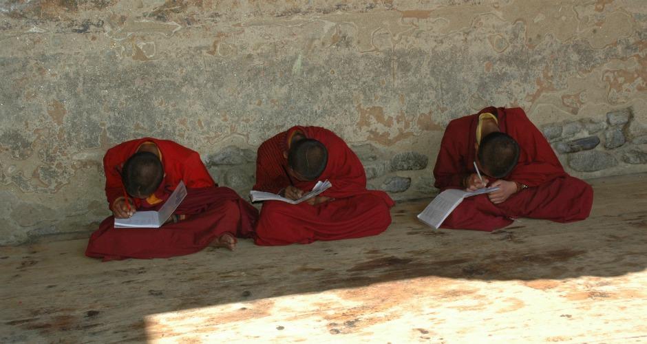 AskariTravel_BhutanMonks